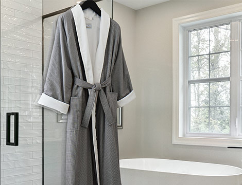 Micro Houndstooth Robe